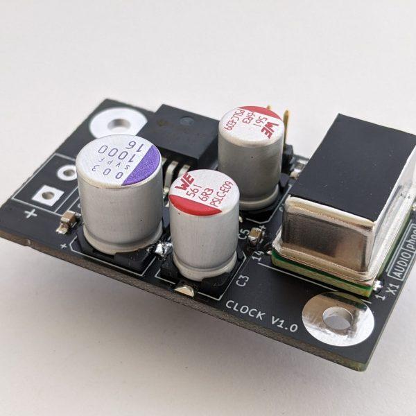 Audiophool 10PPM OCXO clock