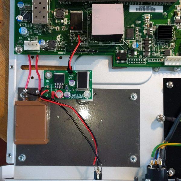 Audiophool meraki clock inside 1
